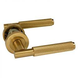 Z720 Knurled Lever Rose Door Handle Satin Brass