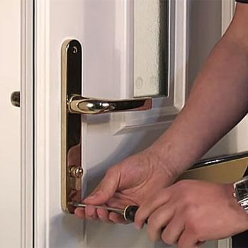 How to replace upvc door handles