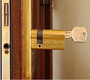 chinging a euro cylinder door lock
